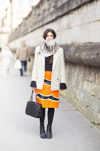 falda naranja